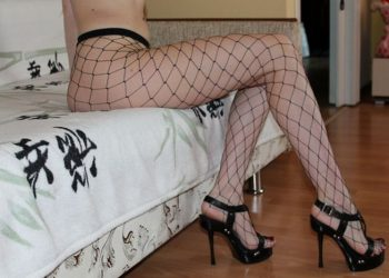 Фото девушек в чулках и колготках (28 фото)