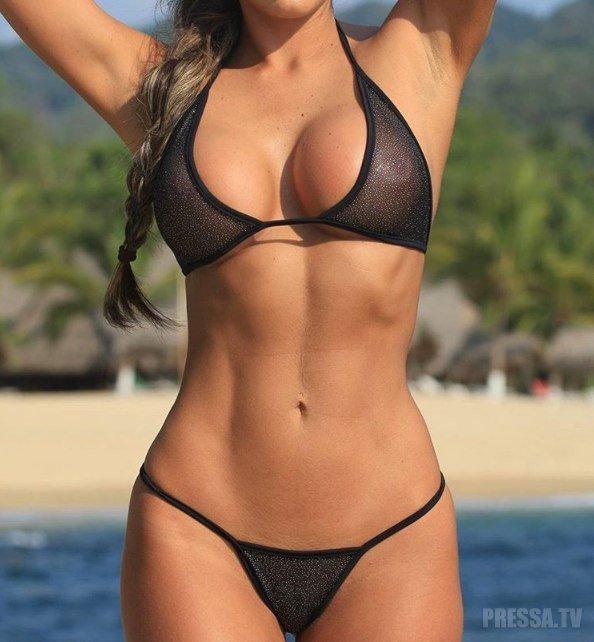красивые женские прелести на пляже