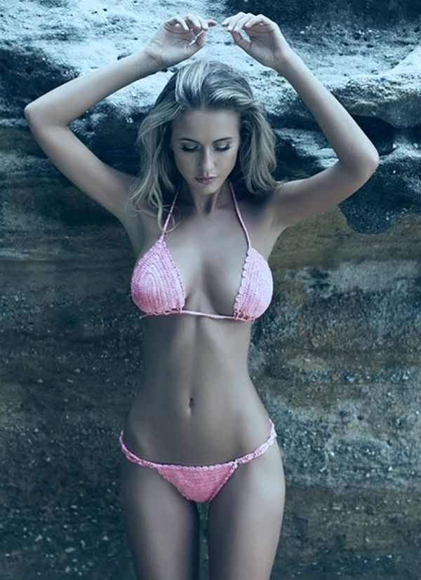 блондинка в розовом, просто красавица