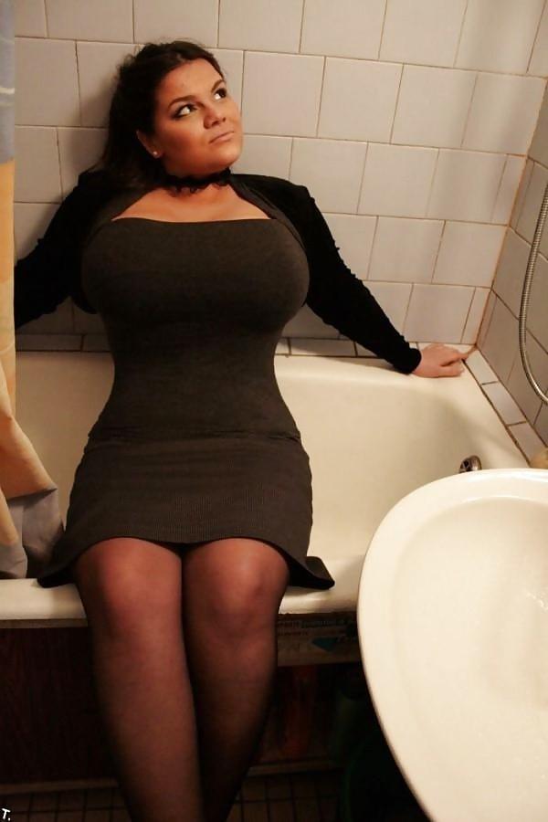 дама в ванне