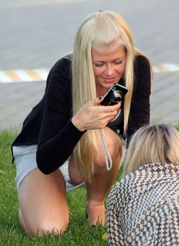 миленькая блондиночка с фотиком