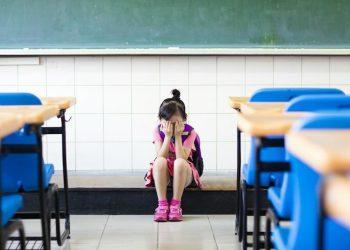 Американским школьникам, находящимся в депрессии, разрешили не ходить в школу (4фото)