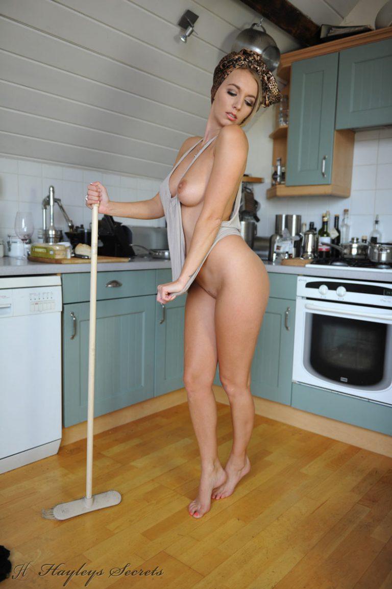 Россиянки обнаженные домохозяйки фото, супер сиськи большие фото