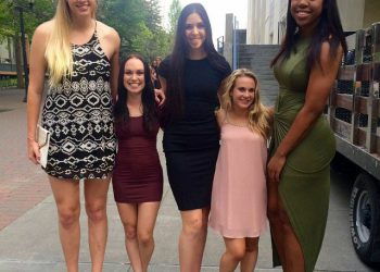 Волейболистки и чирлидеры: подборка фотожаб (13 фото)