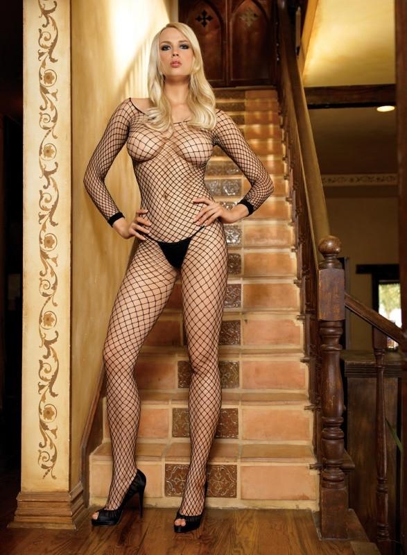 блонда с очень длиннющими худыми ножками