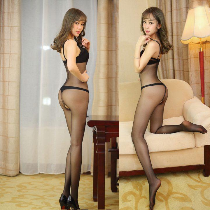 молоденькая сексуальная азиаточка