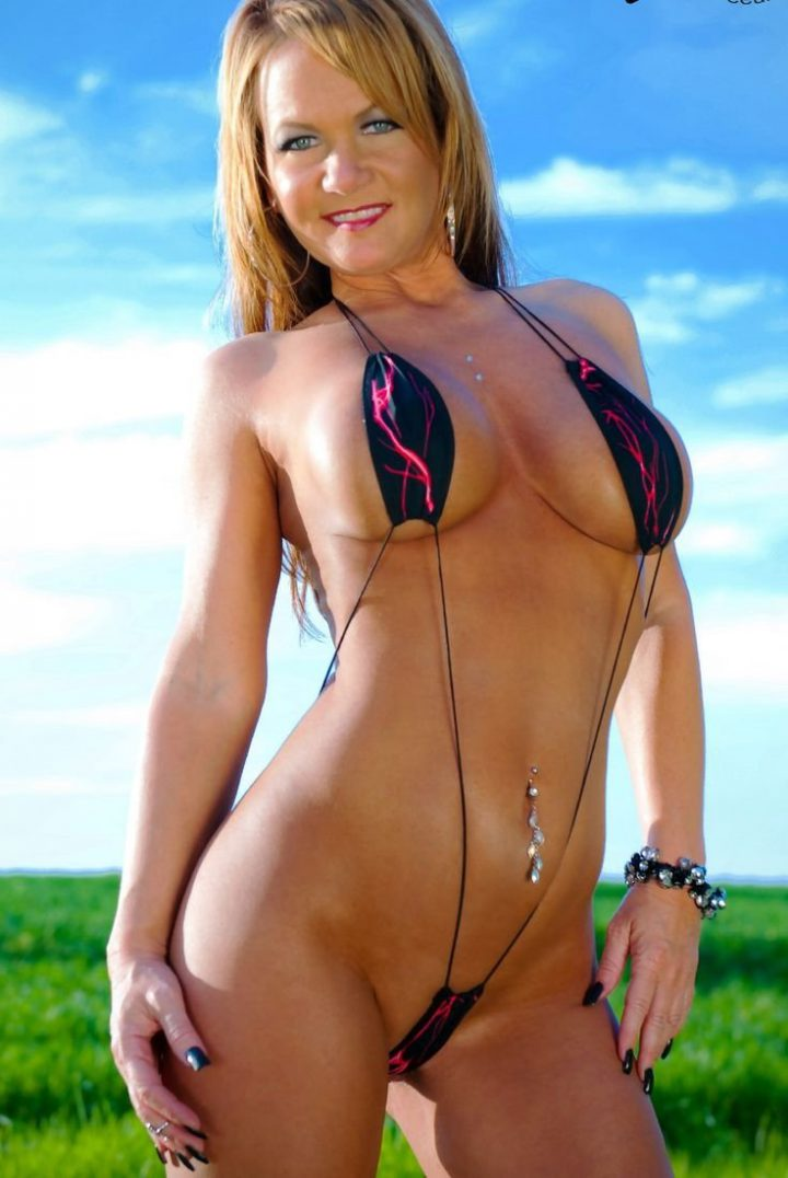 Hot Cougar Christy Allen In Sexy Swimsuit At Muscu Coedcherry 1