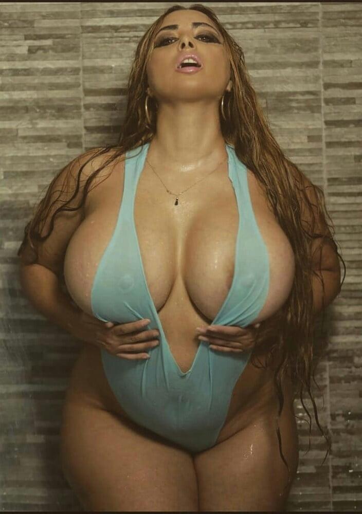 Женщины с большой грудью: 160 фото грудастых красоток