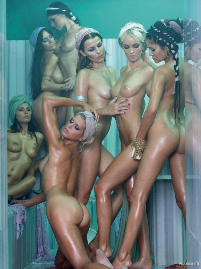 семь обнаженных красавиц в сауне