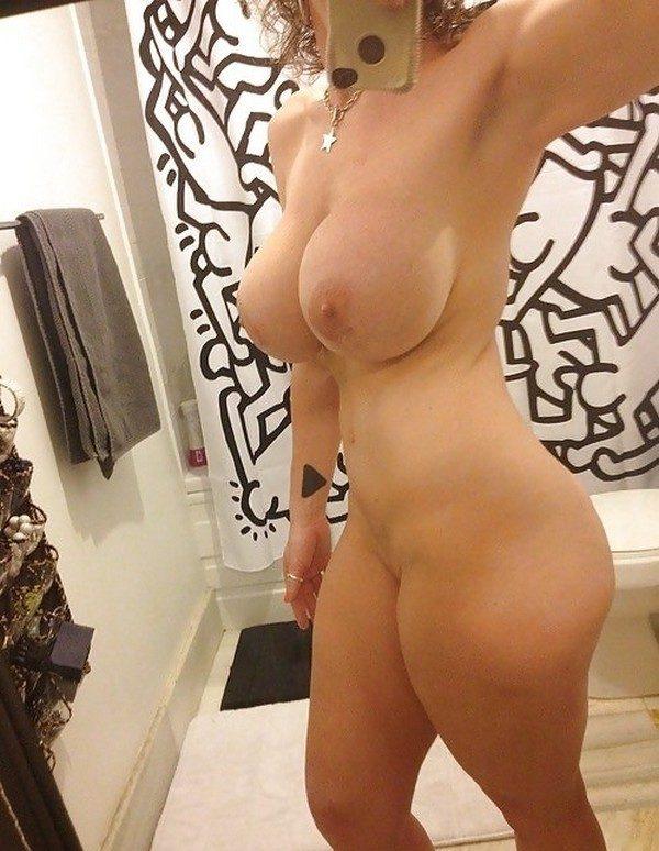 Milf naked busty selfies — photo 1