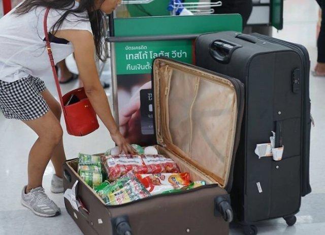 В Тайланде запретили пластиковые пакеты - вот, что творится в магазинах (29 фото)