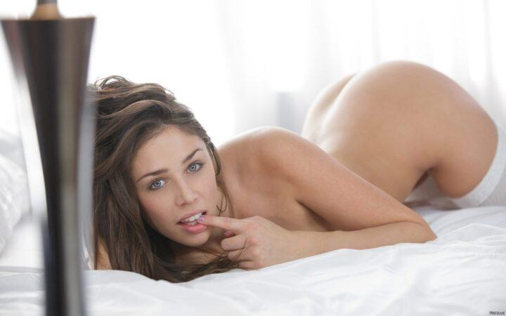 Анна Морна сексуальная и пошлая порноактриса сделает в фильме все что тебе понравится