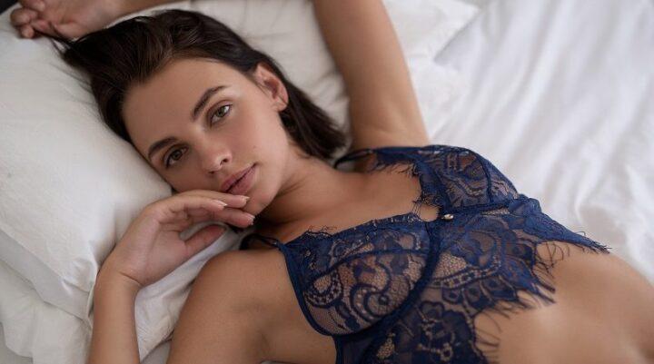 Ариэль нежная девушка модель Плейбой