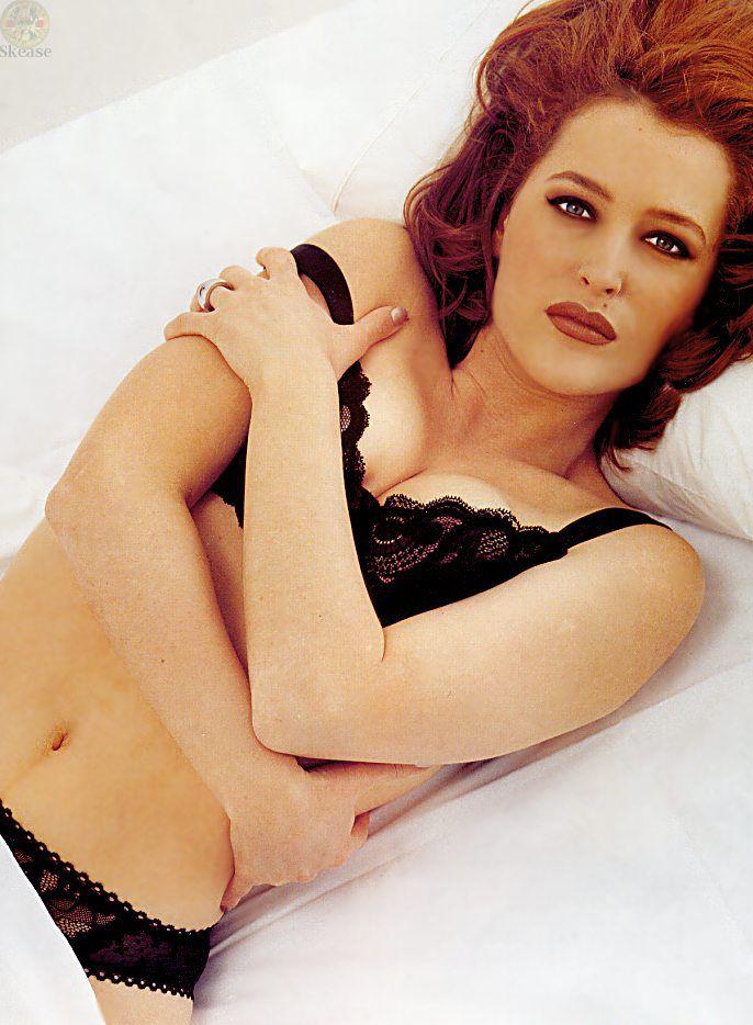 Джилиан Андерсон голливудская сексуальная актриса с привлекательной грудью