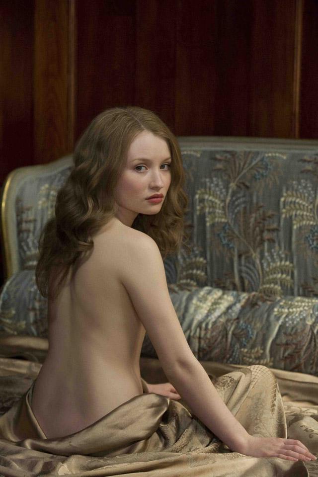 Эмили Браунинг молодая и нежная актриса обнаженная