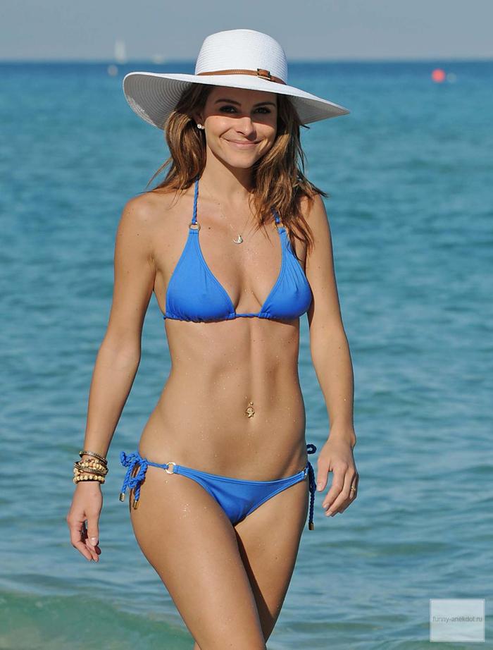 У Мария Констанинос Менунос есть что показать в купальнике