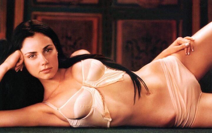 Мия Киршнер обворожительная актриса минимум одежды больше голого тела