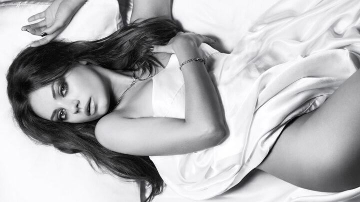 Мила Кунис актриса с необычной внешностью и красивым телом