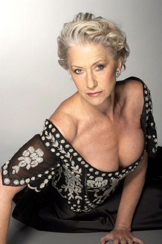 Красивая и обворожительная зрелая актриса