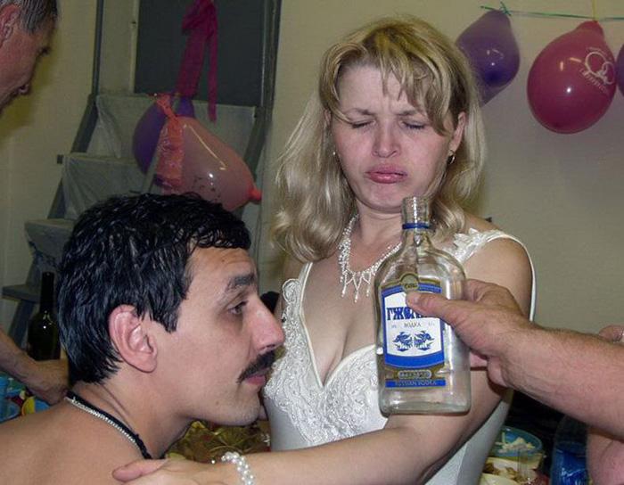 Пьяной женщине больше не хочется пить