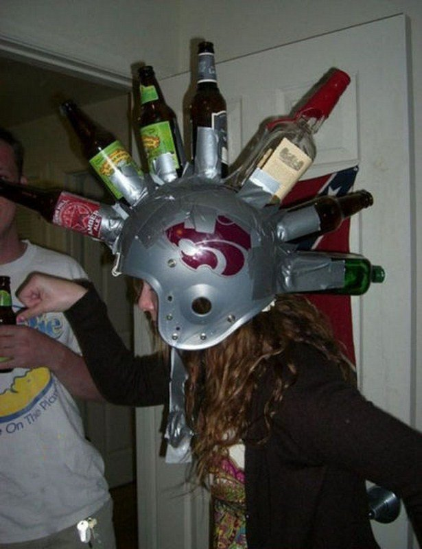 Пьяная девченка фантанирует смешными идеями