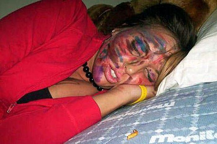 Ни когда не засыпайте пьяной у друзей