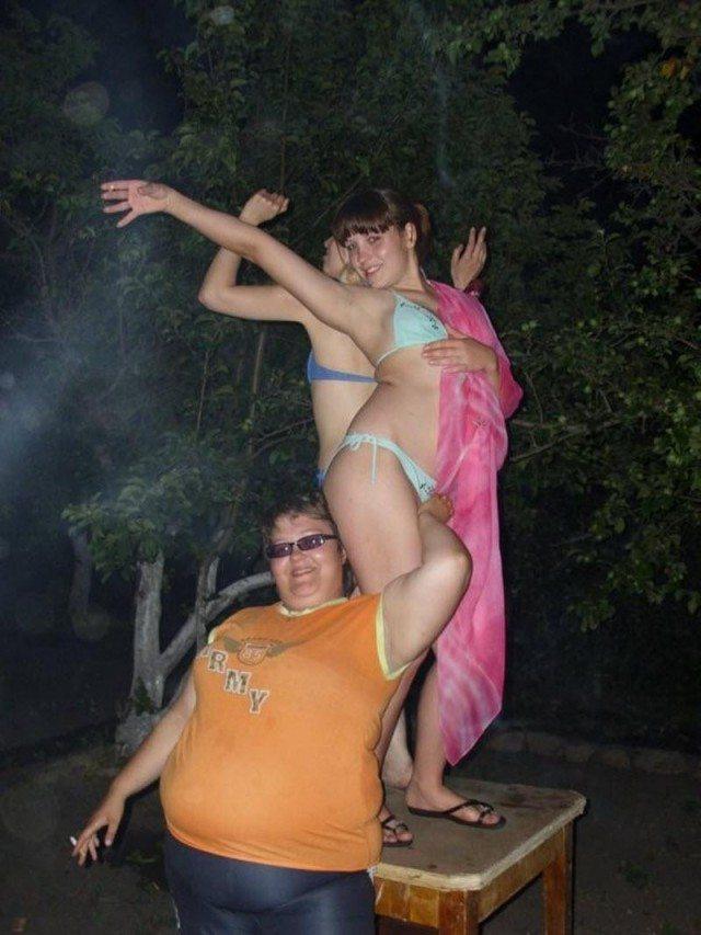 Прикольные пьяные деревенские танцы девушек