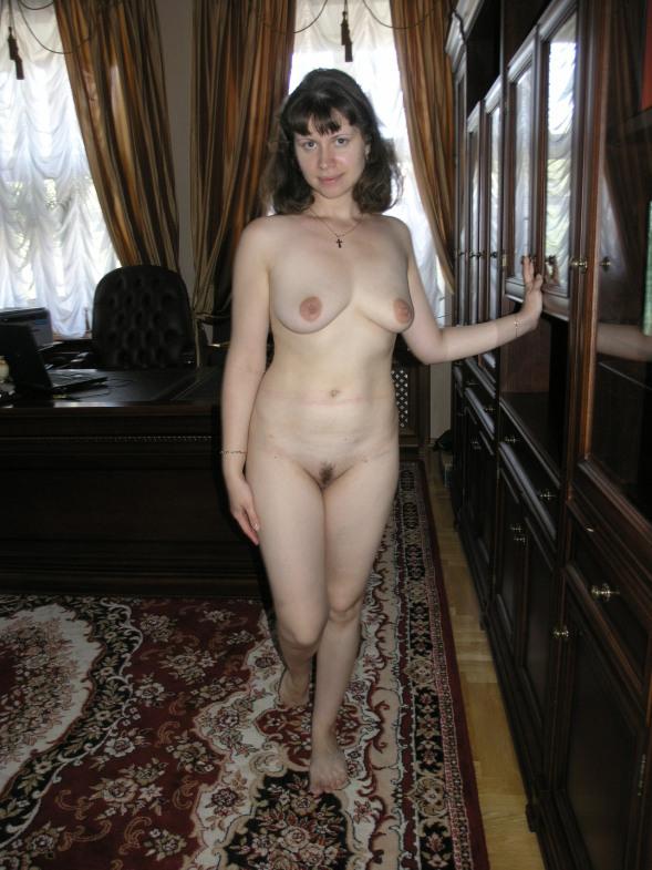 Жена решила устроить сюрприз и разделась в кабинете мужа