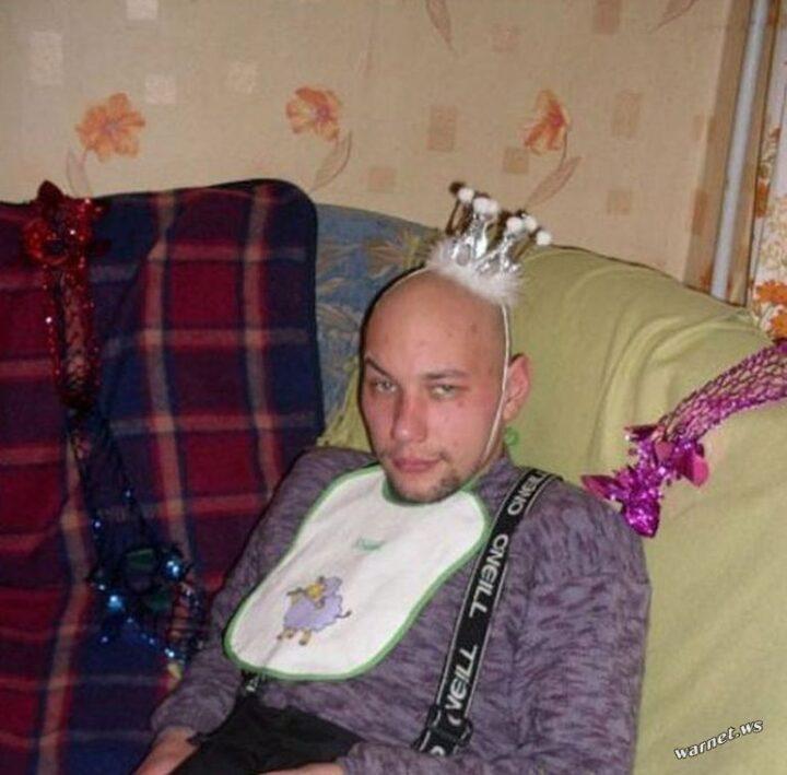 Принц готов к веселью в новогоднюю ночь.