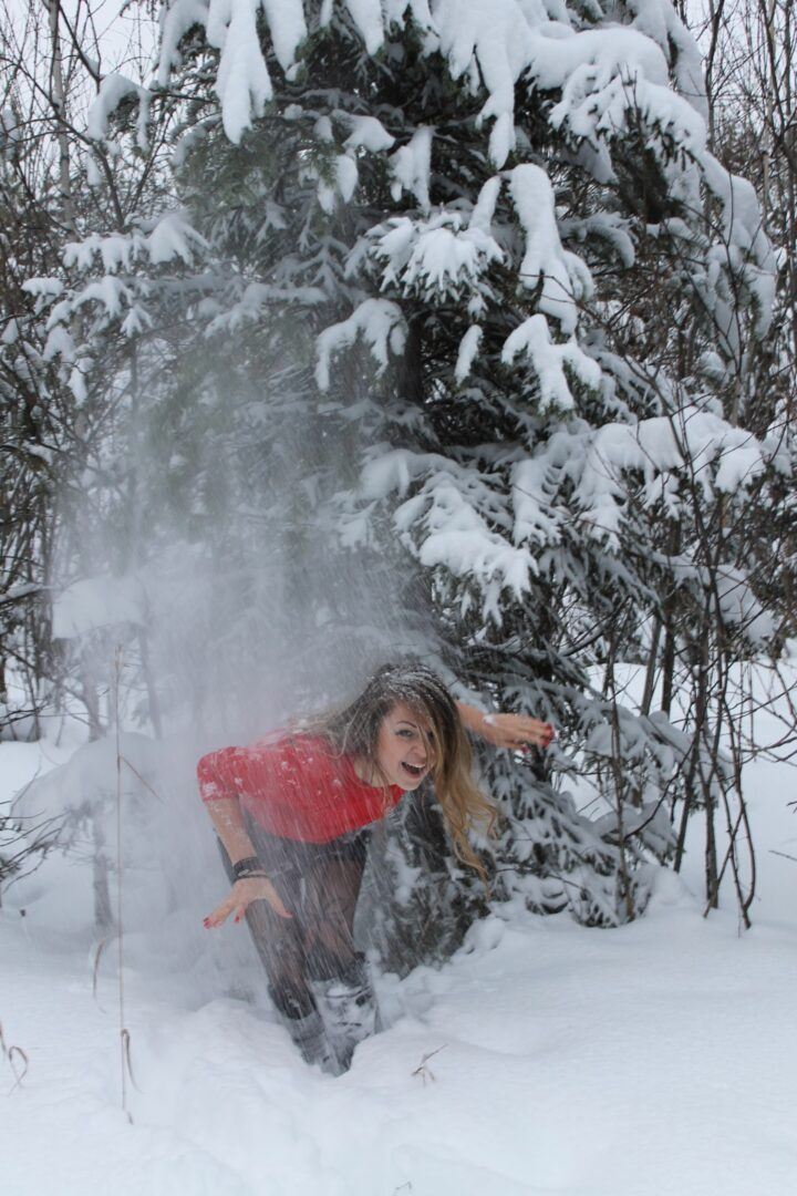 Хотела красивое фото, а получила снег за шиворот