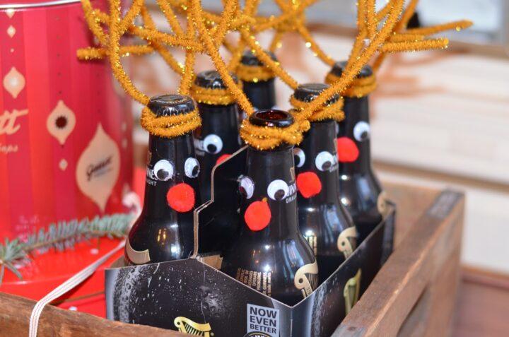 Оригинально упаковано пиво на Новый год в виде оленей.