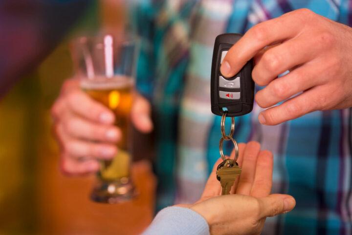 Чем отличаются услуги службы Трезвый водитель и такси