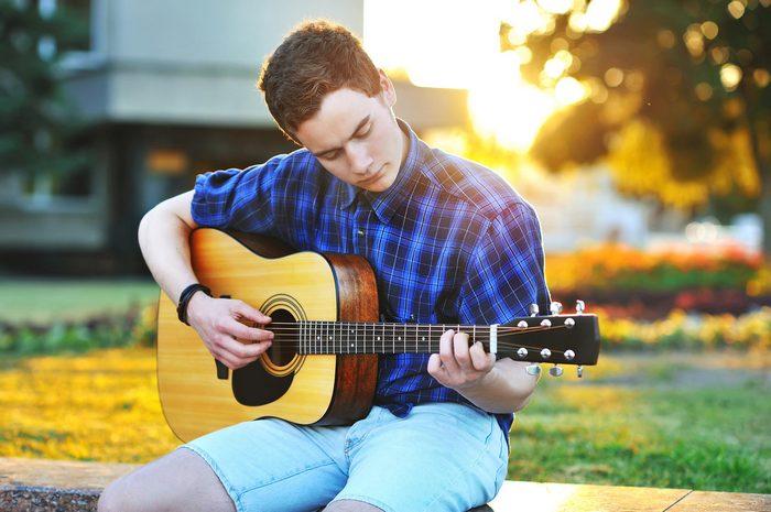 Гитара – инструмент неподвластный времени